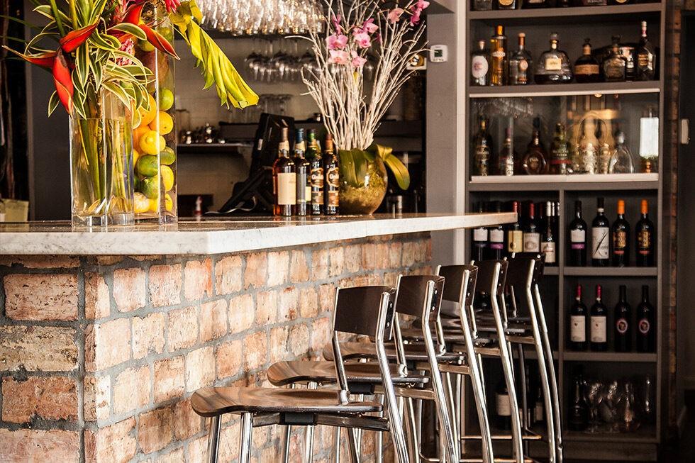 Bar & Happy Hour Wynwood - Joey's Italian Cafe